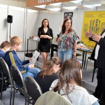 Ilustrátorka Bára Buchalová a spisovatelka Klára Smolíková představují na Světě knihy knihu Knihožrouti: Kam zmizela školní knihovna?